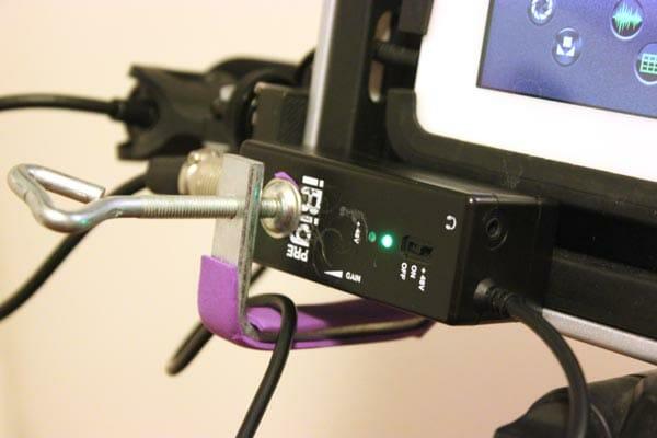 Grabar audio con dispositivos móviles: Adaptador para micrófono iRig Pre en Uso