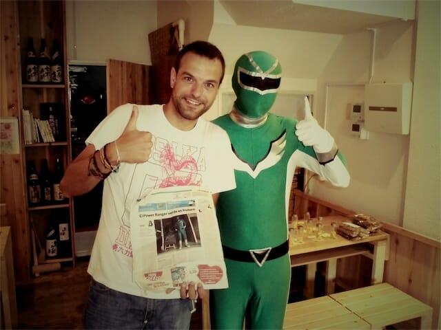 El POwer Ranger japonés y Santi Botella