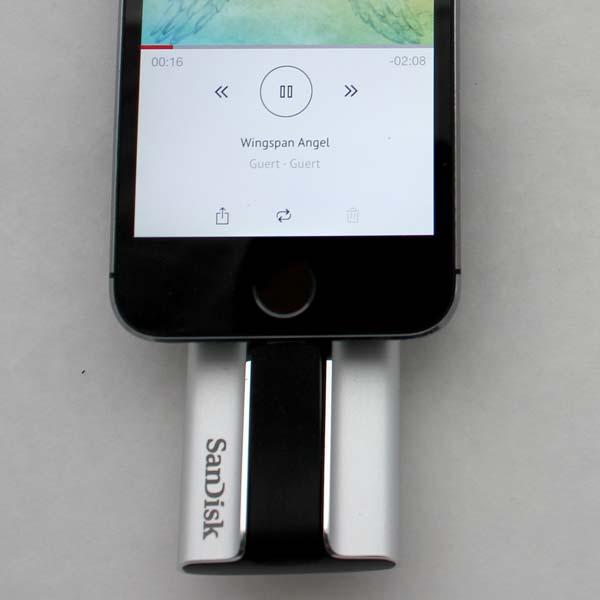 Reproduce audio, fotos en slideshow y películas en el Sandisk iXpand Flash Drive