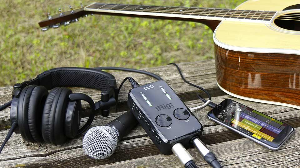 Adaptadores lightning para micrófonos y para instrumentos musciales - iRig Pro DUO de IK MUltimedia